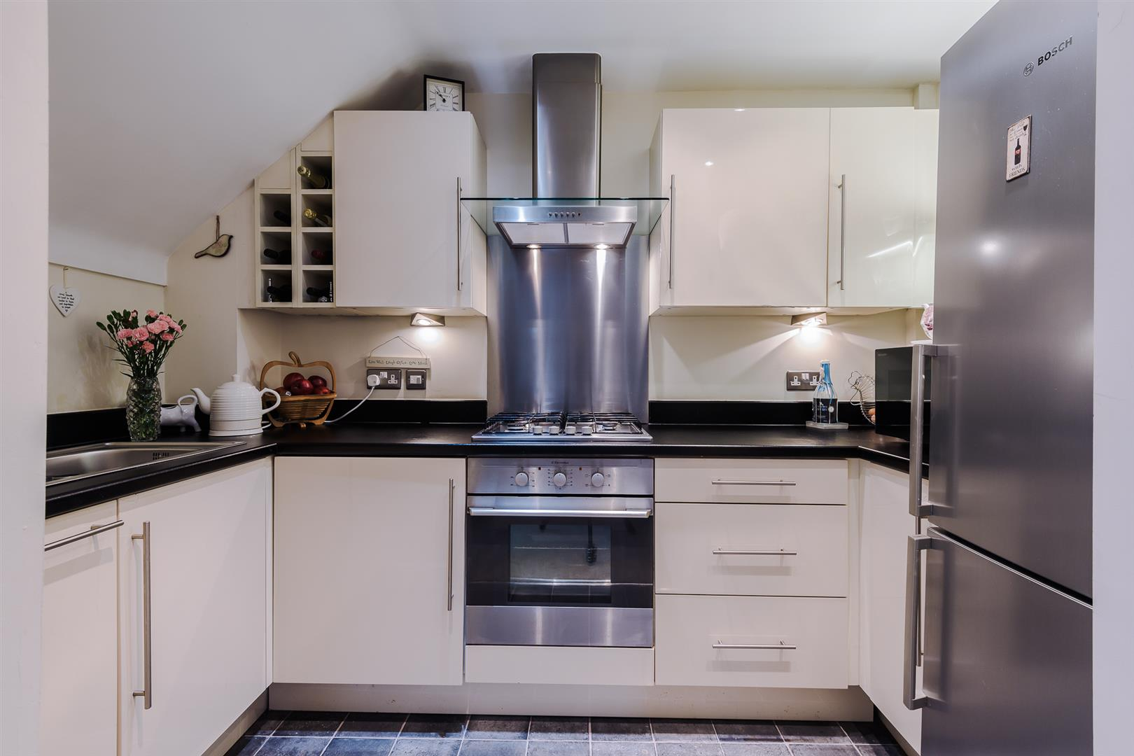 2 Bedroom Apartment Sale Agreed Image 2